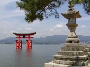 itsukushima_shrine_o-torii